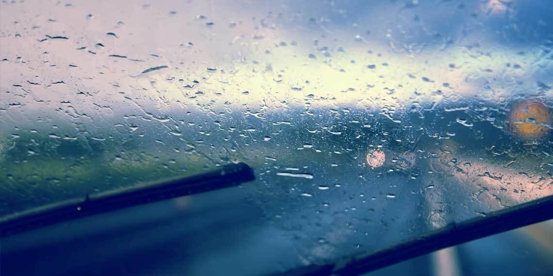driving in rain safety tips - use the wiper