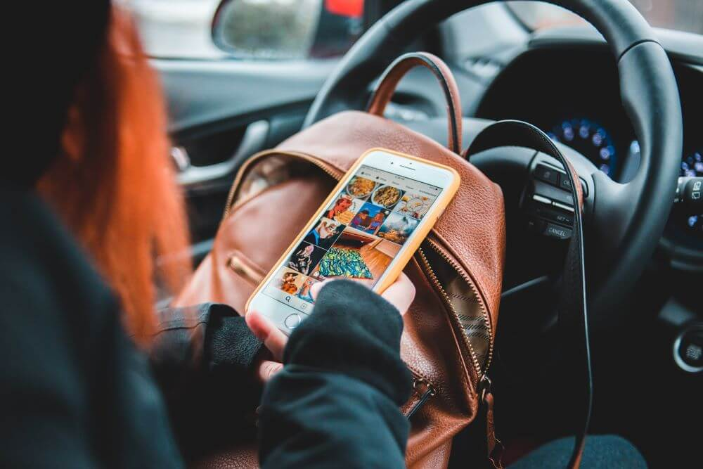 tips for driving test - get rid of distraction