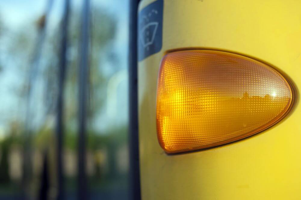 driving tips for teen driver - use indicators properly