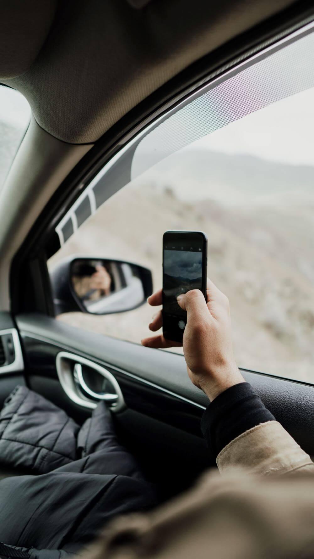 driving tips for beginner - avoid distraction