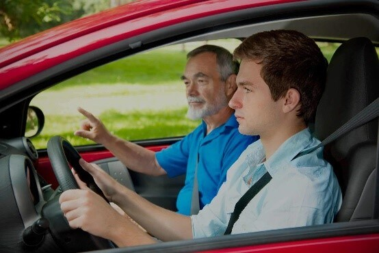 hightway driving tips - hold the wheel steadily