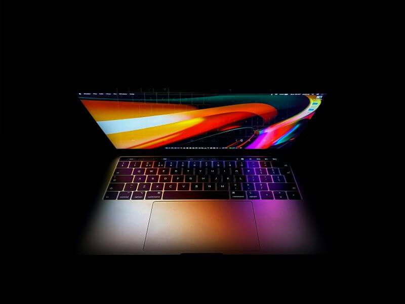 macbook pro review - the display