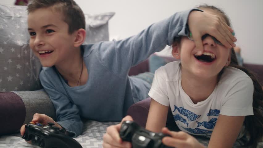 games kids playing
