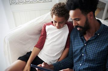 parents talk with kids