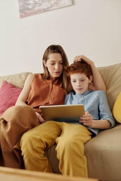why teens create finsta account - boost ego